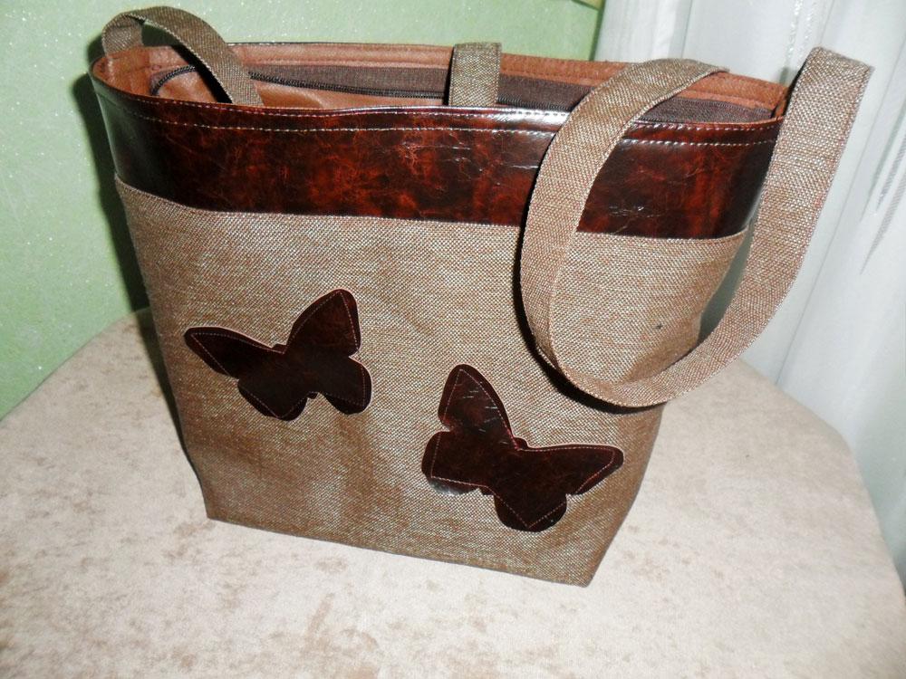 shoulder bag with applique